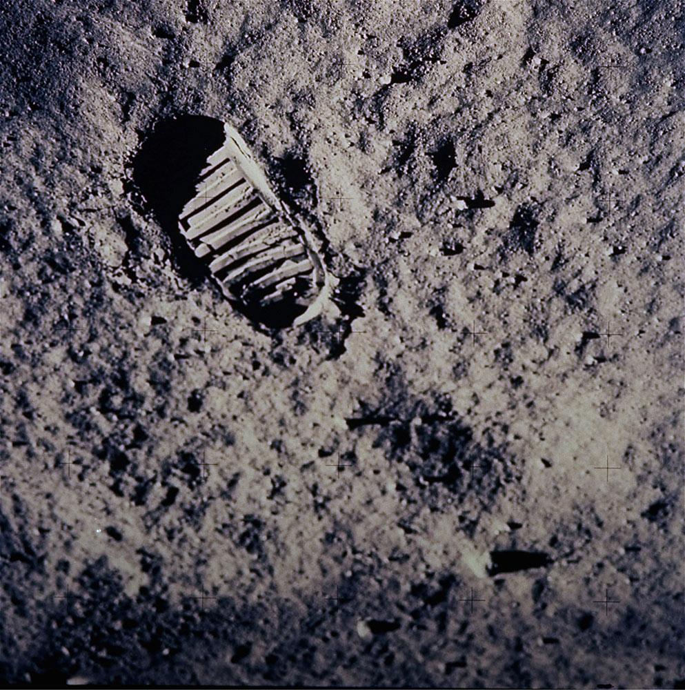 скрип, фото первые шаги на луне анастасии звягиной кресле